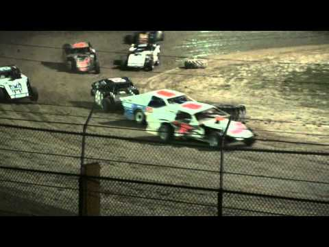 Wilmot '11 – Extreme Three Wheelin' Modified Racing