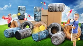 Protect the Fortnite Box Fort Pretend Play! Family Fun Game for Kids!