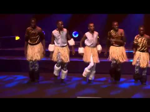 """Jambo"" ""hakuna matata"" - Abdulmalick from Tanzania at Sydney Opera House, IFLC 2016"
