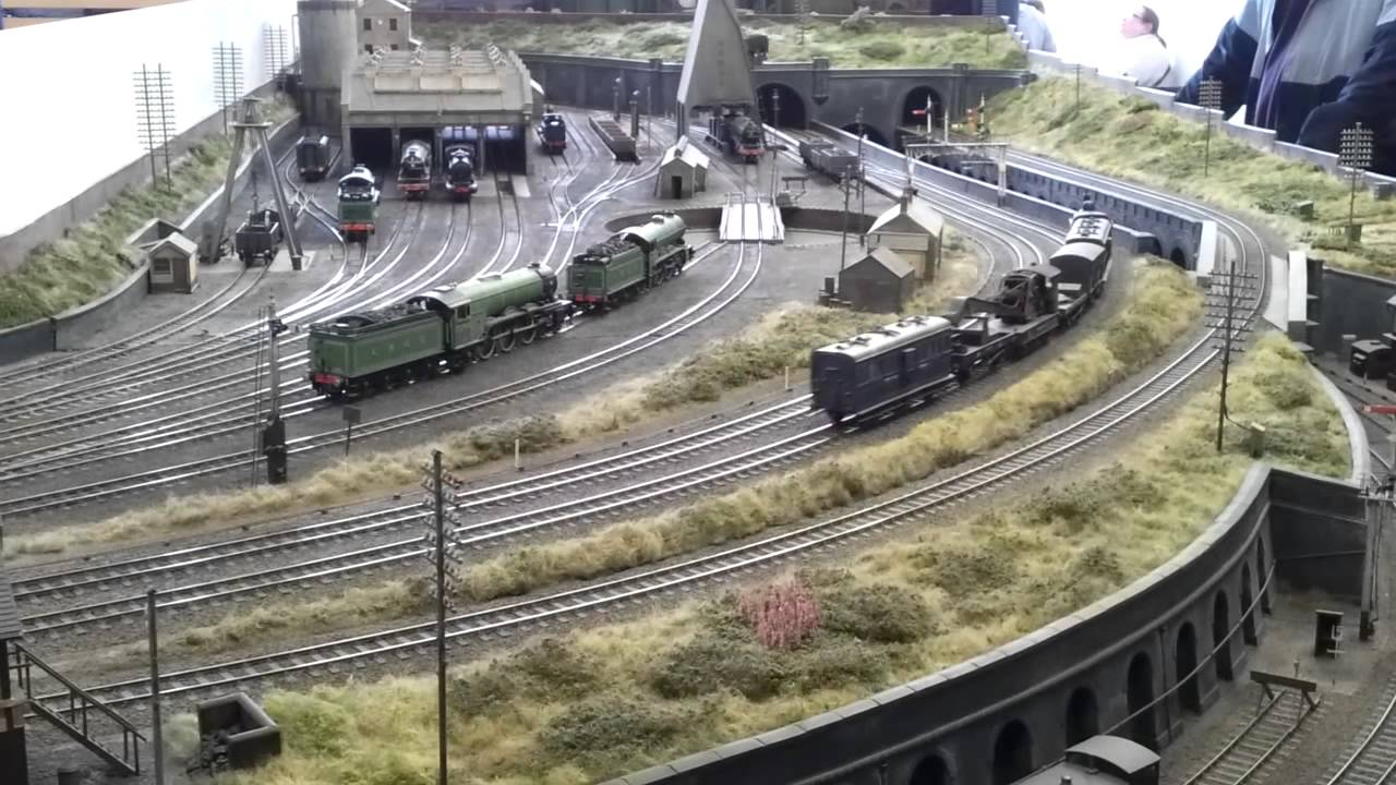 The Gresley Beat At York Model Railway Show 2012 Mp4 Youtube