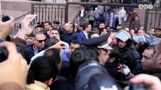 رصد   مشادات بين الشرطة والمحامين والصحفيين قبل نطق حكم تيران وصنافير