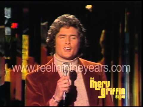 "David Hasselhoff sings ""Nadia's Theme"" Young and the Restless (Merv Griffin Show 1977)"