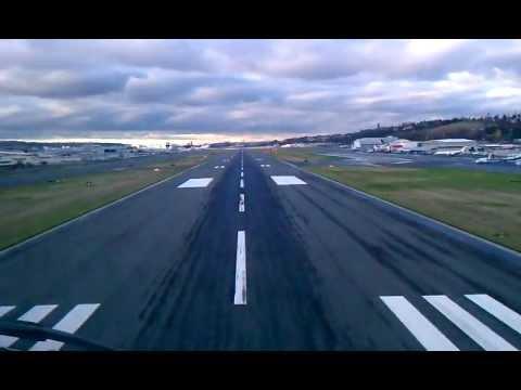 Boeing 757 landing at Boeing Field (Seattle, WA)