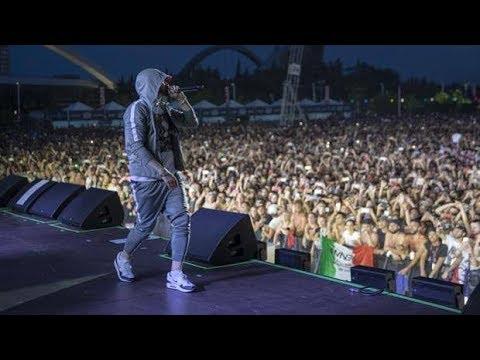 Смотреть EMINEM - Lose Yourself - Milano Revival tour - 7/7/2018 онлайн