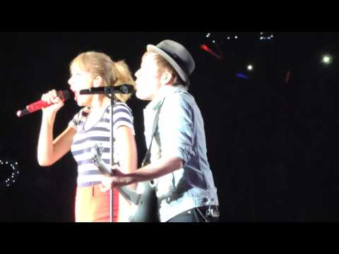 Taylor Swift and Patrick Stump - My Songs Know What You Did in the Dark (HD)