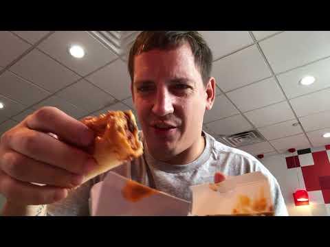 Checkers Checkerburger, Chili Dog, Buffalo Wings | American Fast Food mit Money Boy
