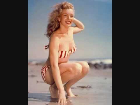 Marilyn monroe nude legs spread