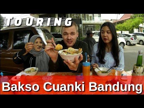 BuleKulineran| Ke Bandung wajib makan ini! Bakso Cuanki Serayu | FVLOG #55