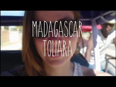 Toliara - Don de livres _ Sport _ A la maison!!!