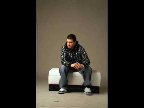 Robert Bilbilov feat. DNK- Otrovna si