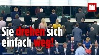 Bei der Hymne: Brexit-Briten sorgen für Skandal im EU-Parlament