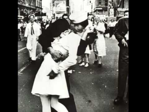 1945 the vj day kiss youtube