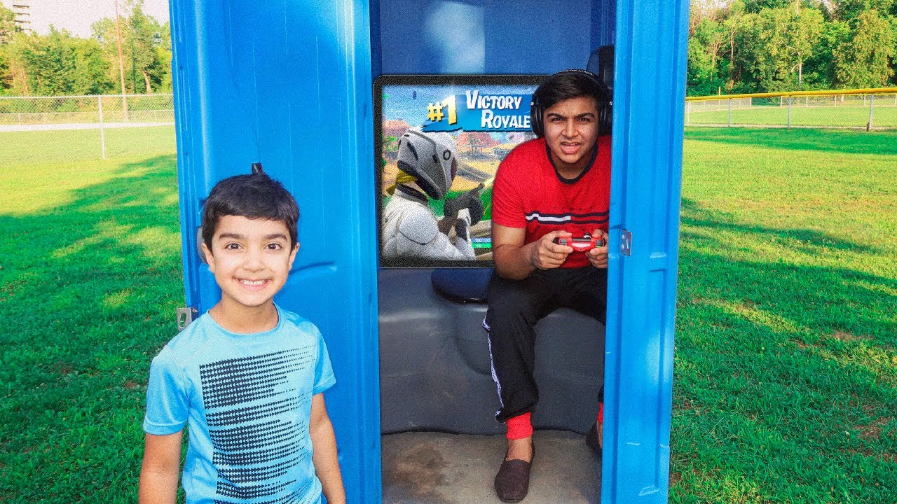 fortnite-porta-potty-fort-challenge-with-my-6-year-old-little-brother-porta-potty-fort-challenge