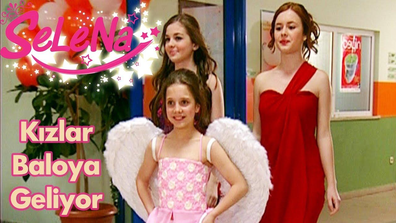Kızlar yıl sonu balosuna geliyor!