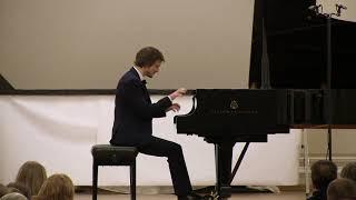 Franz Liszt: Grandes études de Paganini, No 2 S.141. Alexander Lubyantsev