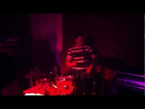 DJ BoBo - THERE IS A PARTY (Celebration Show Finale) von YouTube · Dauer:  4 Minuten 9 Sekunden