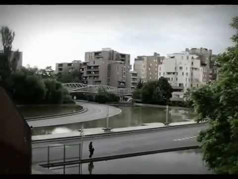 Evry (91) : visite de la cité 'Les Pyramides'