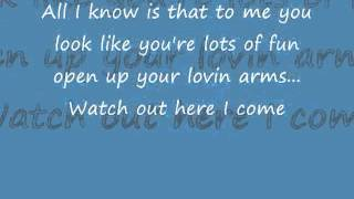 Alvin and the Chipmunks You spin me right round Like a record- (with lyrics).wmv - YouTube.flv