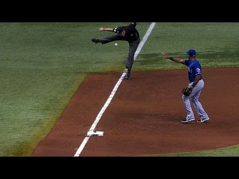 Ump dodges Rodriguez's double down the line