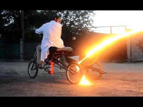 Прикол из велосипеда. ПРОХОЖИЕ В ШОКЕ - видео онлайн