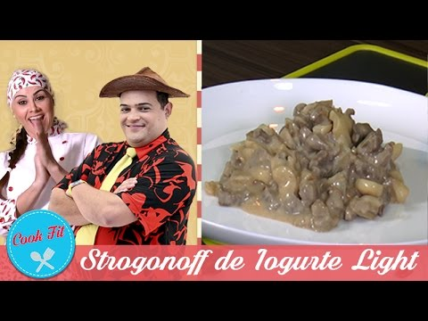 STROGONOFF DE IOGURTE LIGHT | Cook Fit | Matheus Ceará E Dani Iafelix