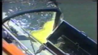 Ликвидация разливов нефти на воде.(Финское оборудование и сырье напрямую от производителя. Основная идея - экологически безвредный вид сбора..., 2012-12-18T18:15:46.000Z)