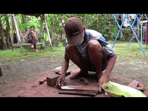 How Blacksmiths make Golok Machetes in Central Java, Part 3