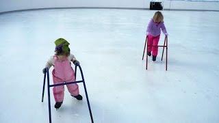 VLOG: ИДЕМ НА КАТОК. Учим ребетенка кататься на коньках;)