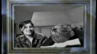 Download Elastica Interview Part 2 includes Connection + Waking Up MP3 song and Music Video