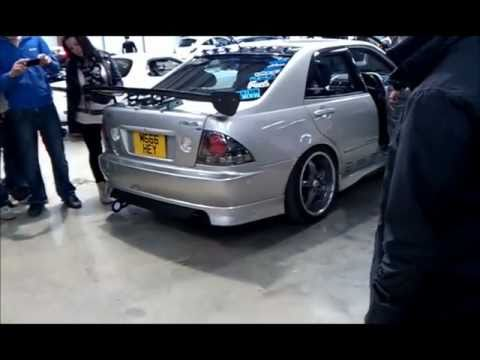Toyota Altezza RS200 Reving And Blowing Fire   Duration: 1:44. Artur87PL  17,501 Views