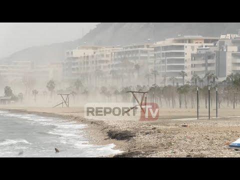 Moti i keq në Vlorë, shkulen pemët, vetrata e thyer ze poshtë një burrë