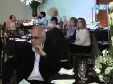 À Mesa com Empresários com o Deputado Federal Celso Russomanno   Respondendo as perguntas   2012