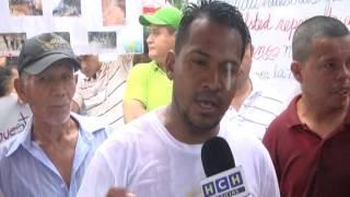 Pobladores de Pajuiles llegan a un acuerdo para habilitar la carretera entre Tela y El Progreso