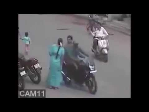 Top 10 Chain Snatching Videos In India Captured on CCTV