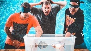 WHAT'S IN THE BOX UNDERWATER CHALLENGE! feat Amedeo Preziosi & Awed