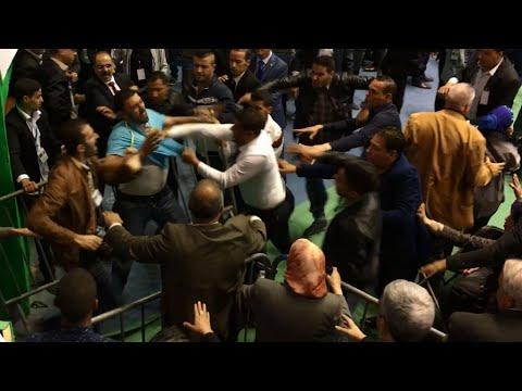 Grosse bagarre lors d'un congrès du FLN à Alger entre membres de sécurité et journalistes - ALGÉRIE