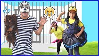 ANNY FINGE BRINCAR DE SER POLICIAL 4 ★ KIDS PRETEND PLAY WITH POLICE COSTUME