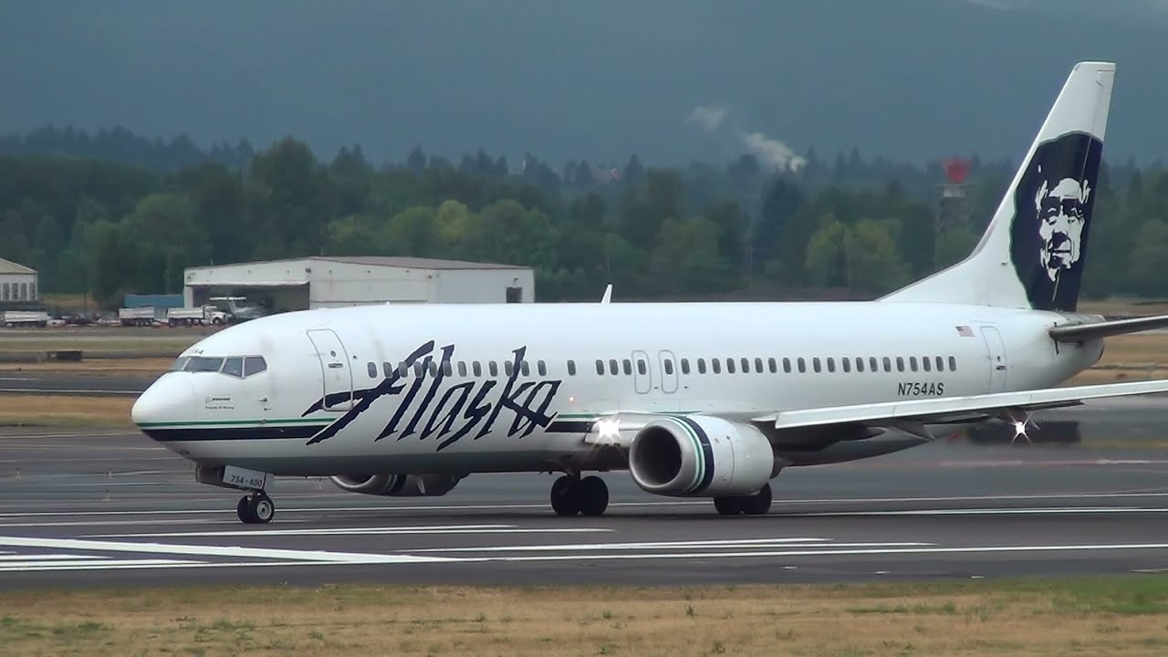 Alaska Airlines N754as 737 400 Takeoff Portland Airport