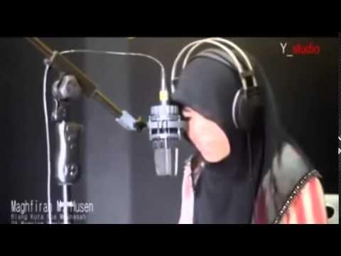 Suara merdu bacaan Al-Quran ( Wanita Aceh )