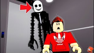 Trapped in the NEVER ENDING NIGHTMARE Elevator in Roblox!