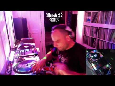 David Vunk live intergalacticfm show   ELECTRO TECHNO NO WAVE  16-11
