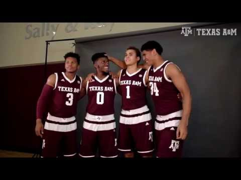 Men's Basketball Photo Day - Behind the Scenes