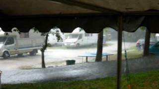 onweer en regen camping Du Lac, Angon, Talloires, meer van Annecy, 2 aug 09