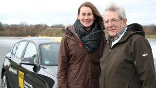 """""""18 gegen 80"""": Fahranfänger oder Senior - wer fährt besser Auto?"""