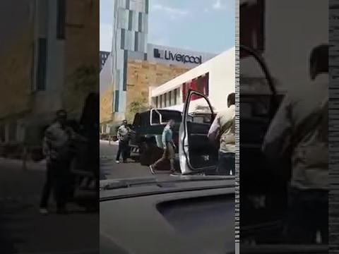 Canelo Alvarez camioneta mercedes  benz g63 6x6 Andares