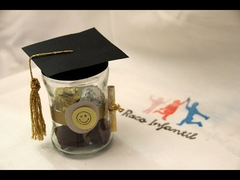 C mo hacer un regalo de graduaci n f cil y original youtube for Manualidades para universitarios