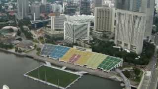 Вид на Сингапур с небоскреба - отеля Marina Bay Sands