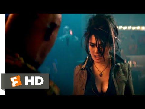 The Hitman's Bodyguard (2017) - Beauty & Violence Scene (5/12) | Movieclips