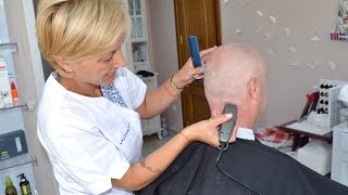 Repeat youtube video Clippers head shave by barberette