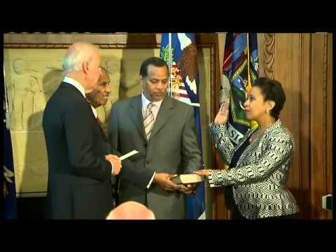 Loretta Lynch sworn in as new U.S. attorney general